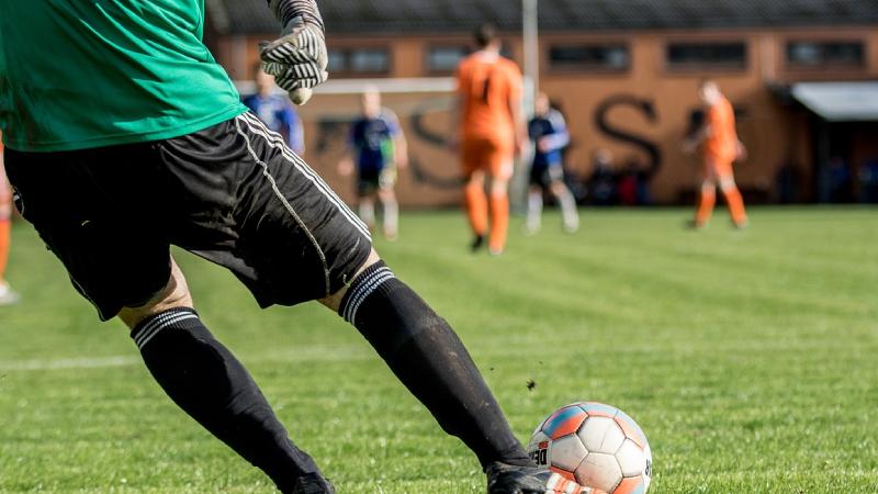 Hướng dẫn các cách đặt kèo bóng đá hiệu quả của chuyên gia